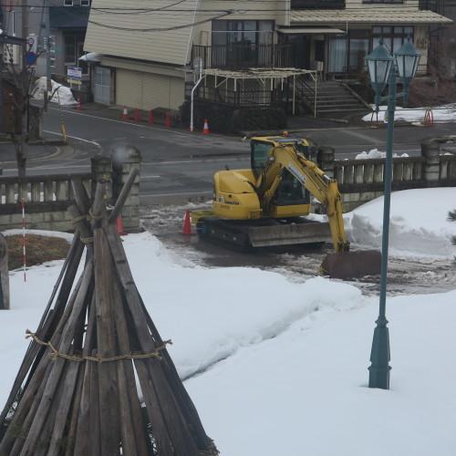 工学部正門塀の解体工事用フェンス(重文本館側)の組み立て 2016.2.27_c0075701_15390986.jpg