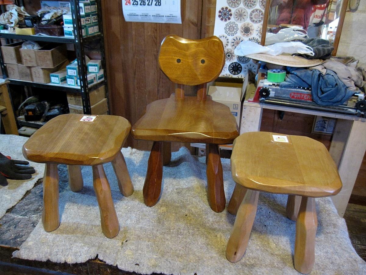大ネコ椅子、大スツールの修理_e0072513_19511458.jpg