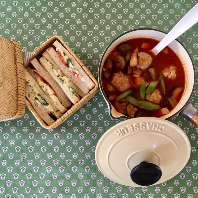 tomato soup&sandwith   作る自分も楽しんで♪_a0165160_16175618.jpg