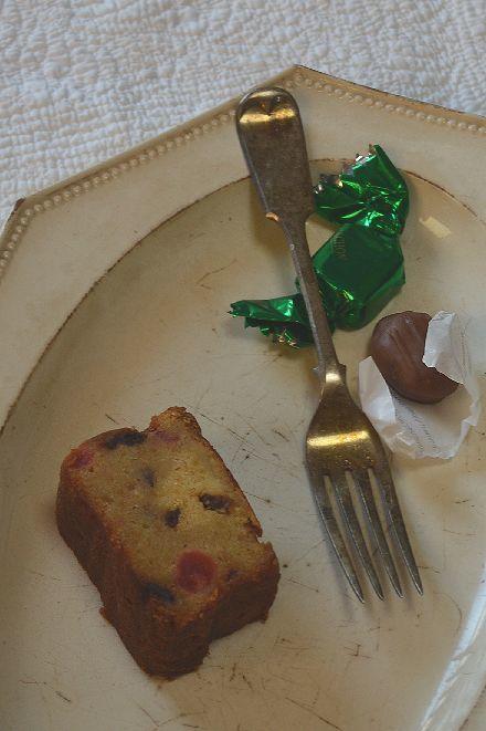 同じお菓子を ひとつ違う布と器にのせちゃおうっと_b0346275_06594173.jpg