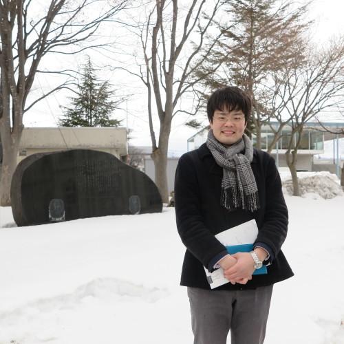 物質化学工学専攻博士前期2年、田中 隆馬君が3人と一緒に重文本館を見学_c0075701_15213112.jpg