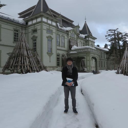 物質化学工学専攻博士前期2年、田中 隆馬君が3人と一緒に重文本館を見学_c0075701_15393603.jpg