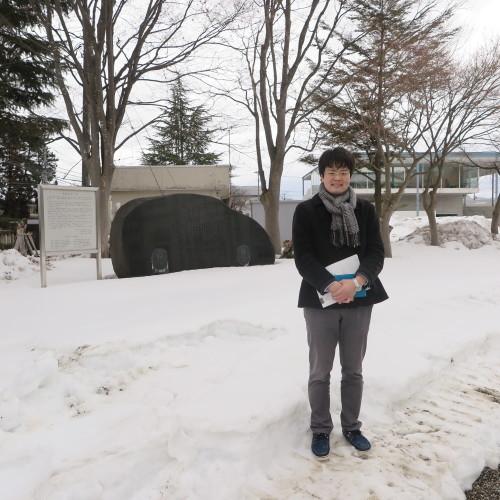 物質化学工学専攻博士前期2年、田中 隆馬君が3人と一緒に重文本館を見学_c0075701_15403997.jpg