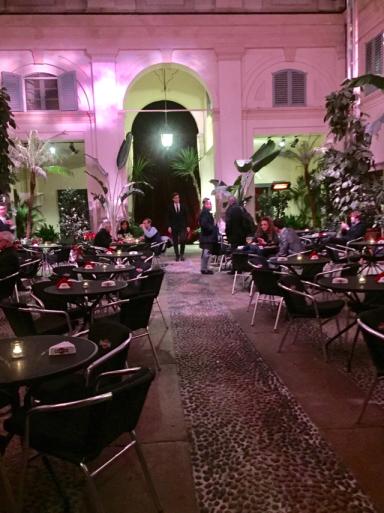 ドルチェ&ガッバーナのレストラン_c0223630_13565816.jpg
