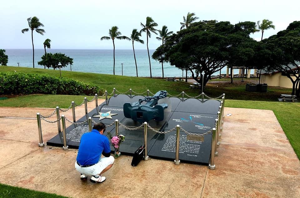 愛媛丸の碑に手を合わせて、ハワイでの全ての予定を終了しました。_c0186691_10113732.jpg