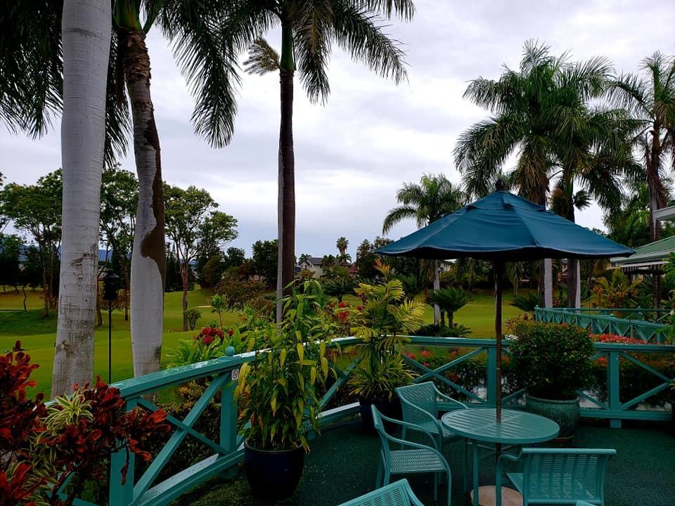 愛媛丸の碑に手を合わせて、ハワイでの全ての予定を終了しました。_c0186691_10213086.jpg
