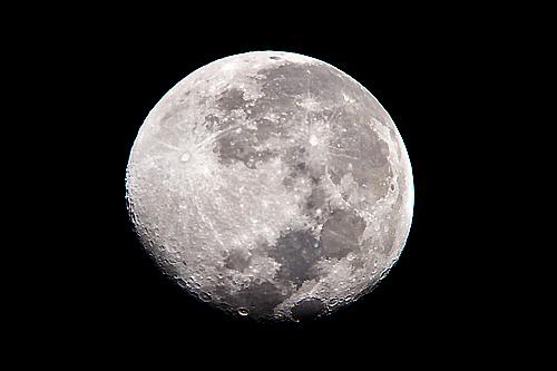 我が家の移動天文台はふた通りの倍率を楽しめる!東京のヨドバシカメラセッティングである(笑)。_b0169522_00521597.jpg