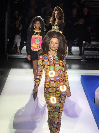 モスキーノのファッションショー_c0223630_13475042.jpg