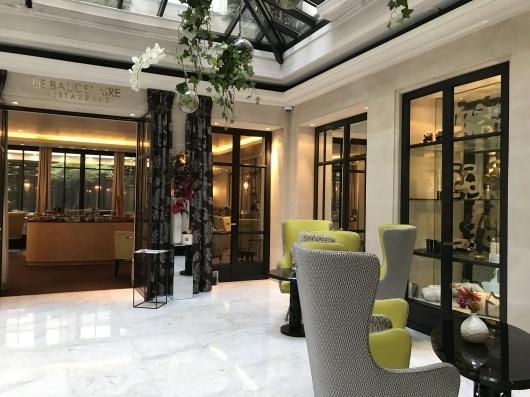 ホテルで朝食を_e0303431_17363459.jpg