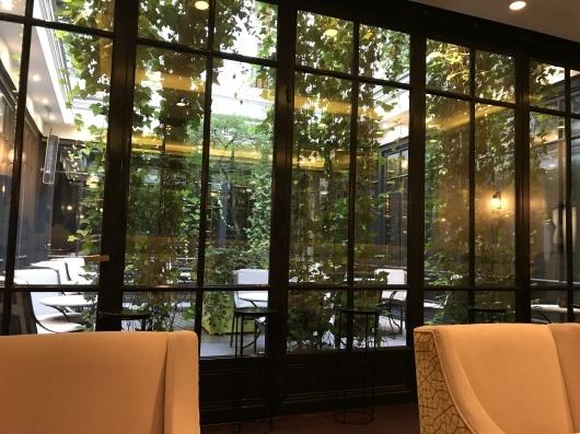 ホテルで朝食を_e0303431_17441583.jpg