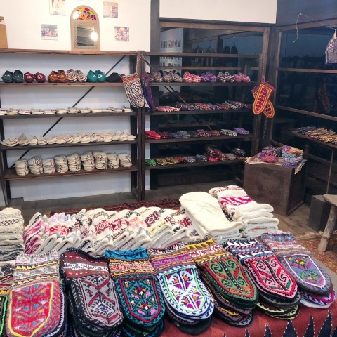 マースーレ村の靴下 + 25人の白い靴下展_d0156336_00080914.jpg