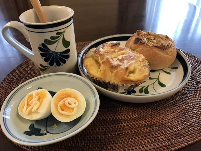 ジムの帰りにポンパドールで買ったパン_a0180279_14313795.jpg
