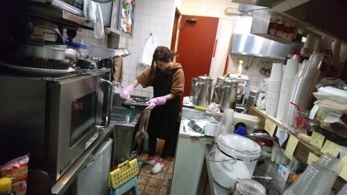 「前田くん、ゆうか、深夜作業掃除」_a0075684_04091668.jpg