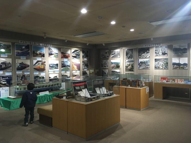 伊豆高原駅にある小さな鉄道資料館『ONE TWO NINE』_d0367998_17293067.jpg
