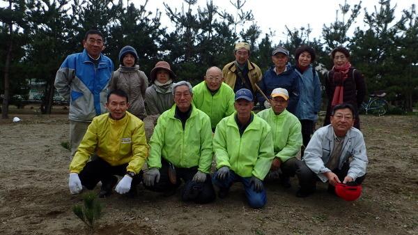 水軒の浜に松を植える会 松の植樹_c0367107_11195024.jpg