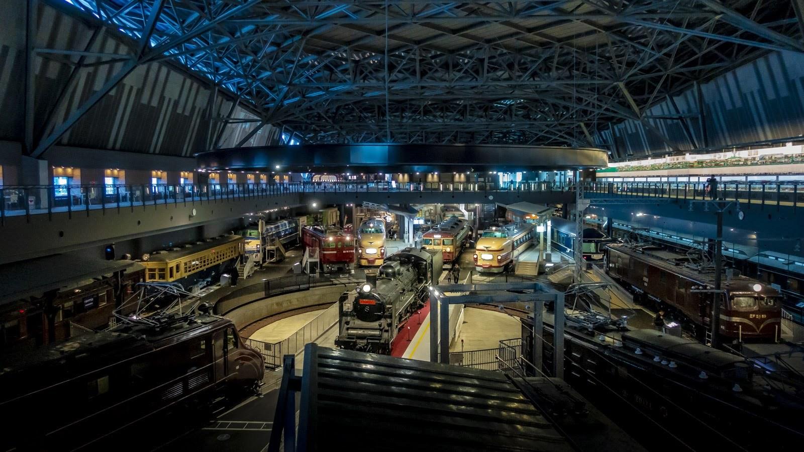鉄道博物館、一日で見切れない問題。_b0029315_14100936.jpg
