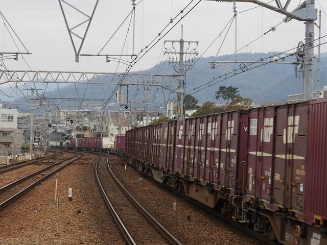 藤田八束の鉄道写真@サントリー山崎工場前で鉄道写真を撮る、山崎カーブは絶景の鉄道写真スポット_d0181492_21564271.jpg