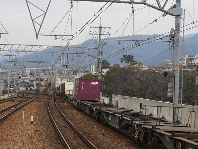 藤田八束の鉄道写真@サントリー山崎工場前で鉄道写真を撮る、山崎カーブは絶景の鉄道写真スポット_d0181492_21565040.jpg