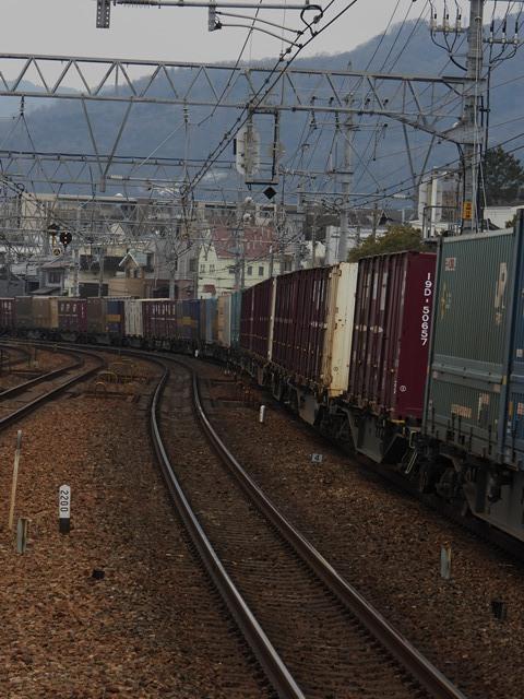 藤田八束の鉄道写真@サントリー山崎工場前で鉄道写真を撮る、山崎カーブは絶景の鉄道写真スポット_d0181492_21571606.jpg