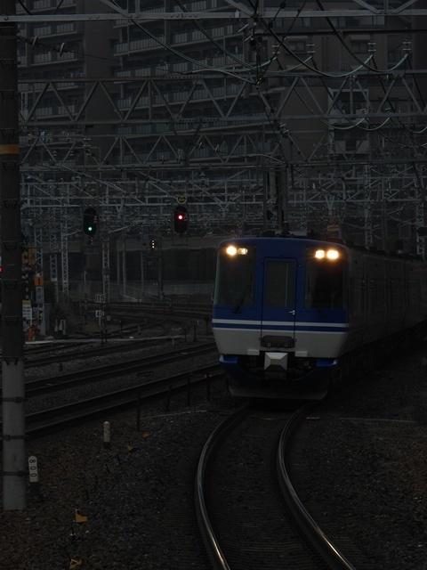 藤田八束の鉄道写真@サントリー山崎工場前で鉄道写真を撮る、山崎カーブは絶景の鉄道写真スポット_d0181492_21595042.jpg
