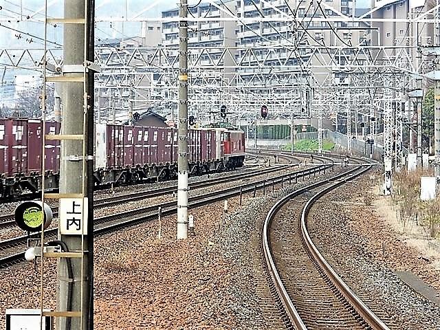 藤田八束の鉄道写真@サントリー山崎工場前で鉄道写真を撮る、山崎カーブは絶景の鉄道写真スポット_d0181492_22011554.jpg