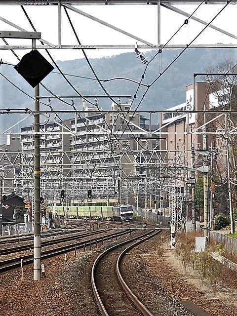 藤田八束の鉄道写真@サントリー山崎工場前で鉄道写真を撮る、山崎カーブは絶景の鉄道写真スポット_d0181492_22024792.jpg