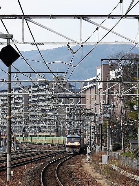 藤田八束の鉄道写真@サントリー山崎工場前で鉄道写真を撮る、山崎カーブは絶景の鉄道写真スポット_d0181492_22025693.jpg