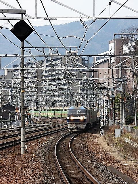 藤田八束の鉄道写真@サントリー山崎工場前で鉄道写真を撮る、山崎カーブは絶景の鉄道写真スポット_d0181492_22030627.jpg