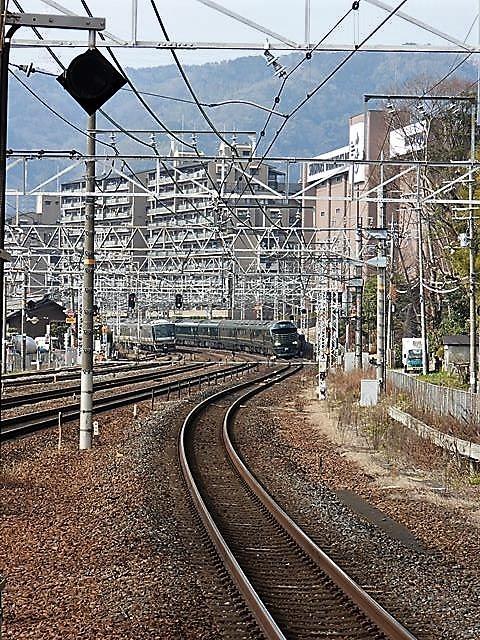 藤田八束の鉄道写真@サントリー山崎工場前で鉄道写真を撮る、山崎カーブは絶景の鉄道写真スポット_d0181492_22053416.jpg