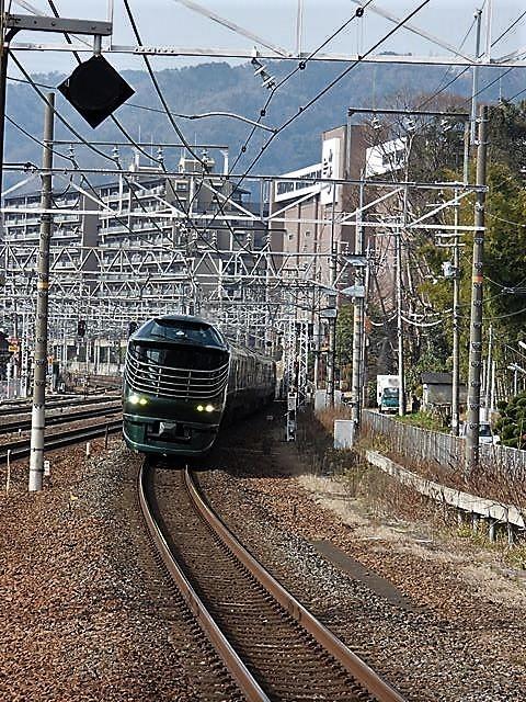 藤田八束の鉄道写真@サントリー山崎工場前で鉄道写真を撮る、山崎カーブは絶景の鉄道写真スポット_d0181492_22061109.jpg