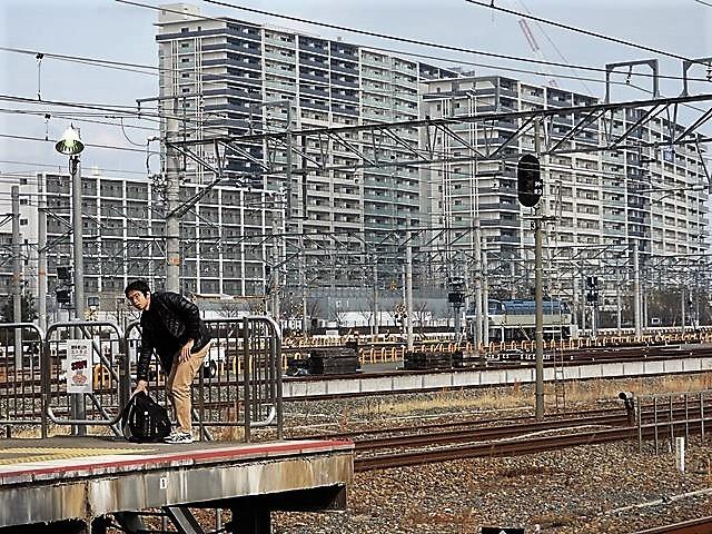藤田八束の鉄道写真@サントリー山崎工場前で鉄道写真を撮る、山崎カーブは絶景の鉄道写真スポット_d0181492_22082623.jpg