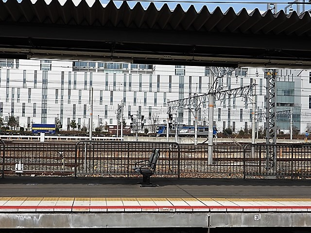 藤田八束の鉄道写真@サントリー山崎工場前で鉄道写真を撮る、山崎カーブは絶景の鉄道写真スポット_d0181492_22085311.jpg