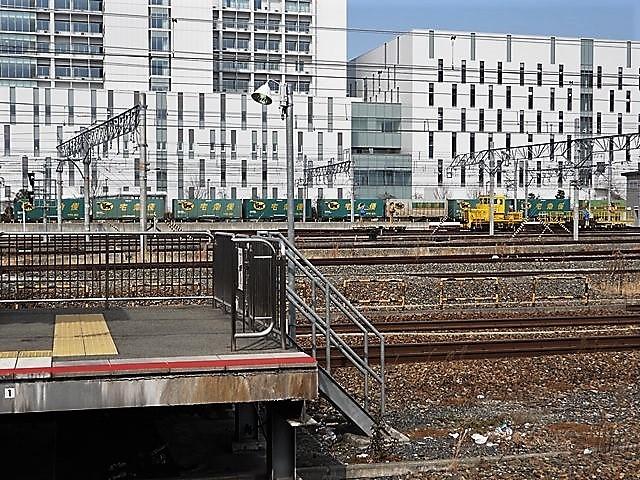 藤田八束の鉄道写真@サントリー山崎工場前で鉄道写真を撮る、山崎カーブは絶景の鉄道写真スポット_d0181492_22090393.jpg