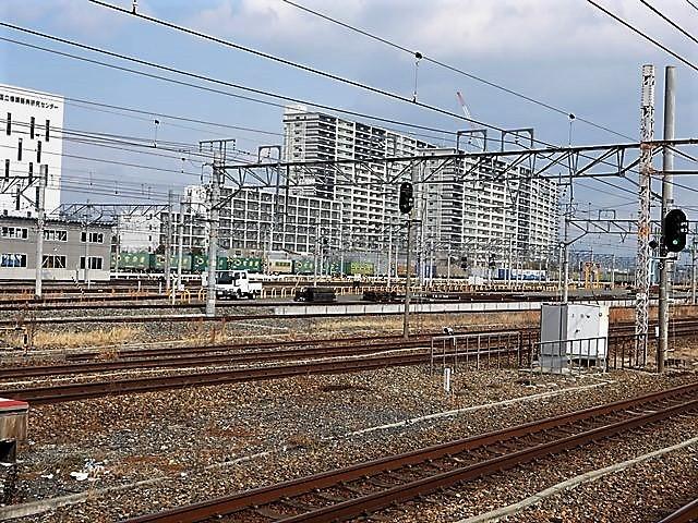 藤田八束の鉄道写真@サントリー山崎工場前で鉄道写真を撮る、山崎カーブは絶景の鉄道写真スポット_d0181492_22091282.jpg