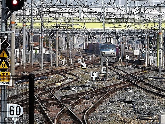 藤田八束の鉄道写真@サントリー山崎工場前で鉄道写真を撮る、山崎カーブは絶景の鉄道写真スポット_d0181492_22092131.jpg