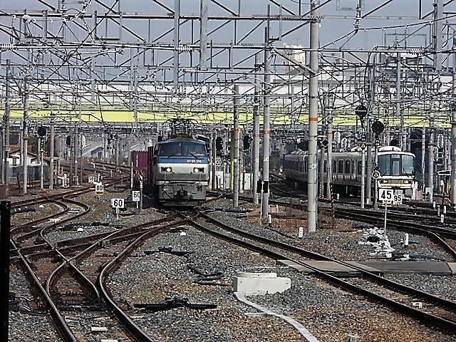 藤田八束の鉄道写真@サントリー山崎工場前で鉄道写真を撮る、山崎カーブは絶景の鉄道写真スポット_d0181492_22093069.jpg