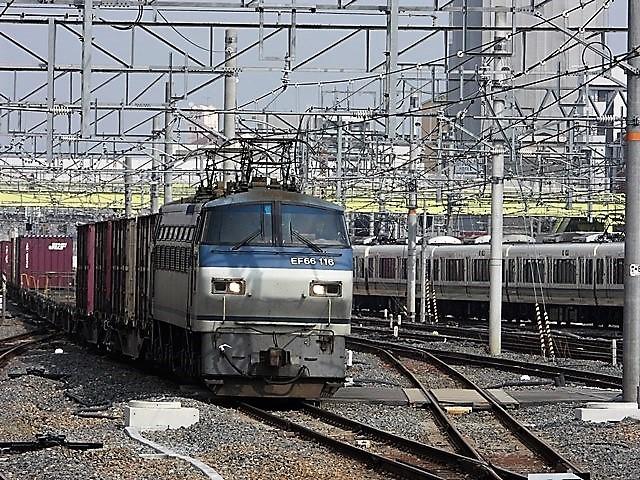 藤田八束の鉄道写真@サントリー山崎工場前で鉄道写真を撮る、山崎カーブは絶景の鉄道写真スポット_d0181492_22094009.jpg