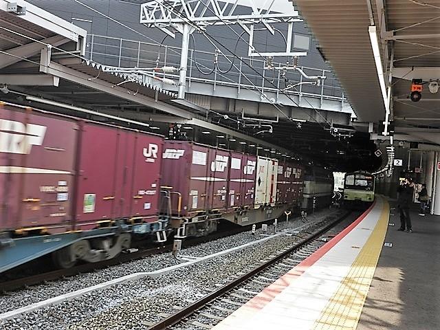 藤田八束の鉄道写真@サントリー山崎工場前で鉄道写真を撮る、山崎カーブは絶景の鉄道写真スポット_d0181492_22095933.jpg