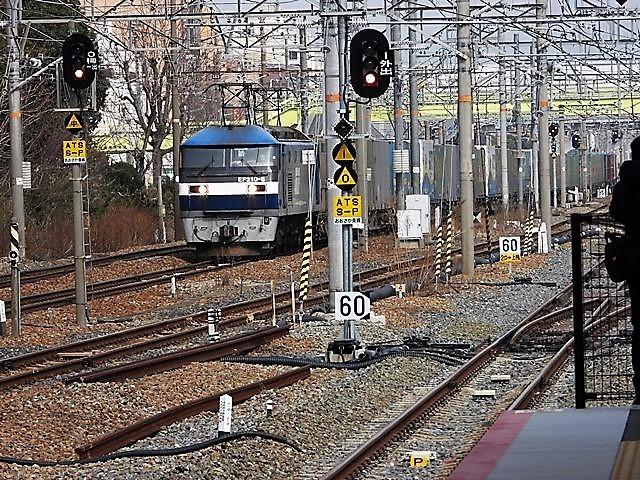 藤田八束の鉄道写真@サントリー山崎工場前で鉄道写真を撮る、山崎カーブは絶景の鉄道写真スポット_d0181492_22102578.jpg