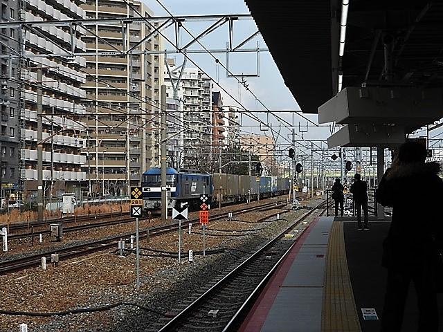 藤田八束の鉄道写真@サントリー山崎工場前で鉄道写真を撮る、山崎カーブは絶景の鉄道写真スポット_d0181492_22103459.jpg