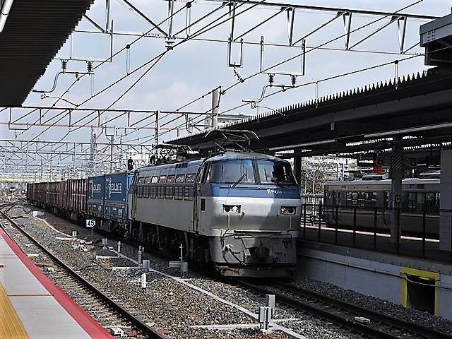 藤田八束の鉄道写真@貨物列車を激写そしてトワイライトを激写、特急サンダーバード・特急はるかのキティちゃん列車_d0181492_22114168.jpg