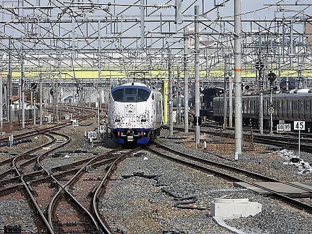 藤田八束の鉄道写真@山崎カーブからのトワイライトエキスプレス「瑞風」を激写、特急「はるか」はキティちゃんラップ_d0181492_22125999.jpg