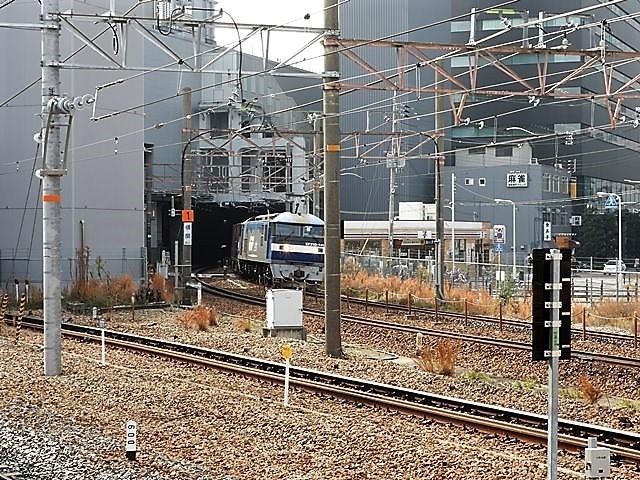 藤田八束の鉄道写真@サントリー山崎工場前で鉄道写真を撮る、山崎カーブは絶景の鉄道写真スポット_d0181492_22141010.jpg
