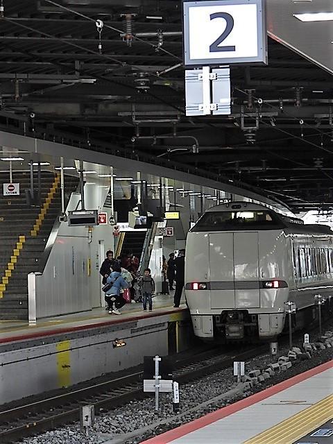 藤田八束の鉄道写真@サントリー山崎工場前で鉄道写真を撮る、山崎カーブは絶景の鉄道写真スポット_d0181492_22152251.jpg