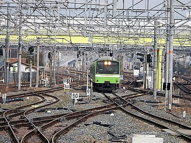 藤田八束の鉄道写真@サントリー山崎工場前で鉄道写真を撮る、山崎カーブは絶景の鉄道写真スポット_d0181492_22153298.jpg