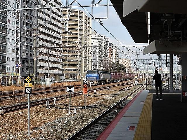 藤田八束の鉄道写真@サントリー山崎工場前で鉄道写真を撮る、山崎カーブは絶景の鉄道写真スポット_d0181492_22154192.jpg