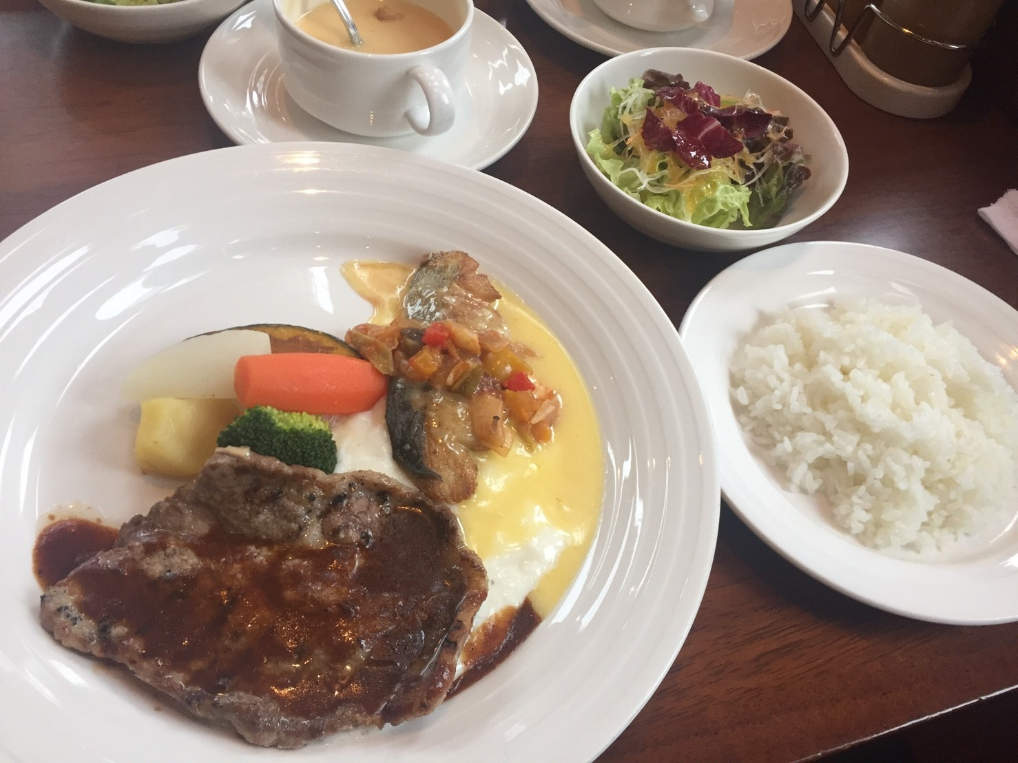 洋風食堂 kozy\'s kitchen ランチ_e0115904_16372251.jpg