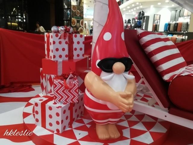 OMG!Santa is HOT@美麗華廣埸_b0248150_05272871.jpg
