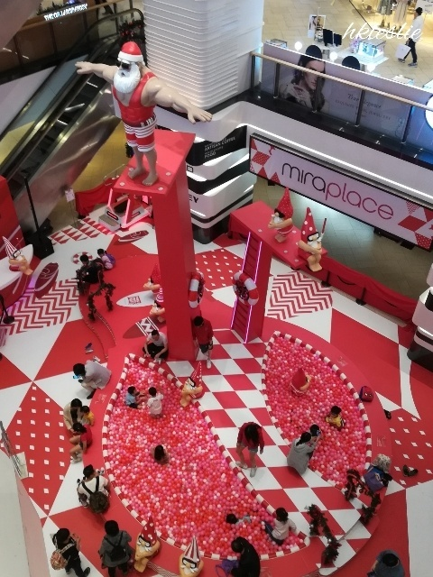 OMG!Santa is HOT@美麗華廣埸_b0248150_05293659.jpg