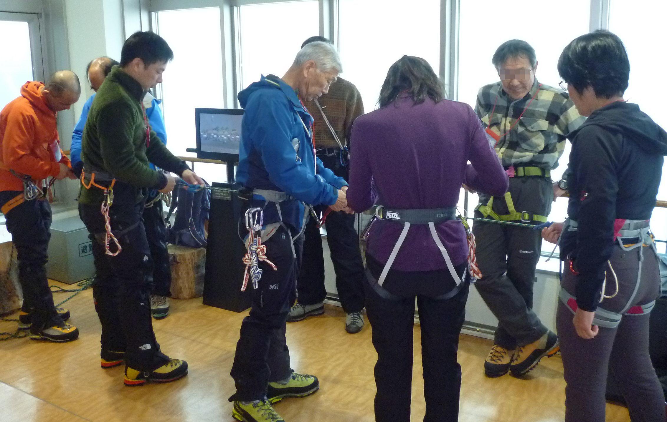 大山で氷雪技術研修会_b0156456_17535822.jpg